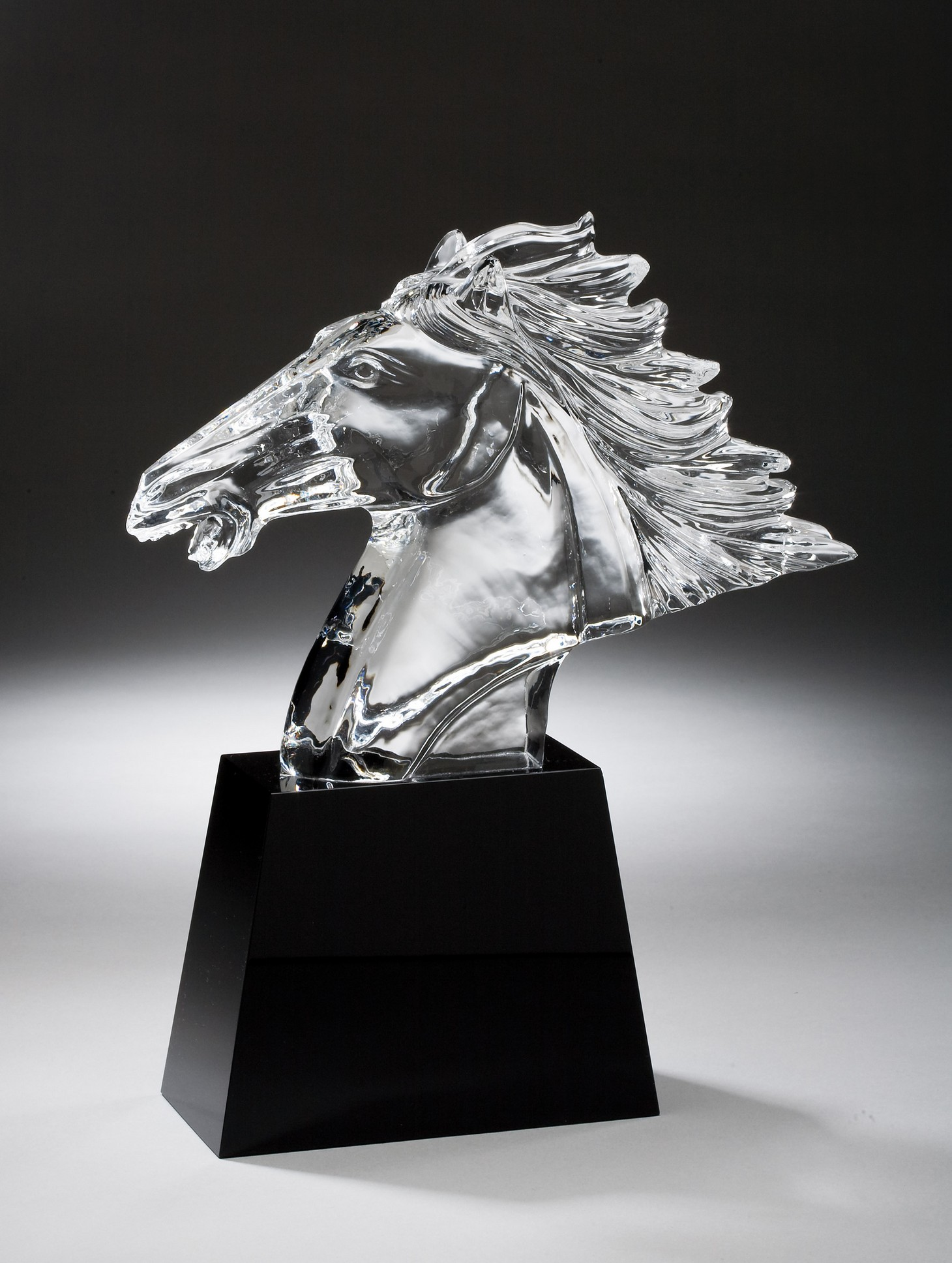 "11"" HIGH CRYSTAL HORSE HEAD ON BLK BASE--ITEM#1185"